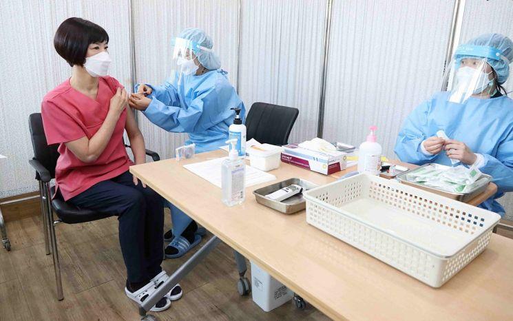구로구, 코로나19 백신 예방 접종 개시