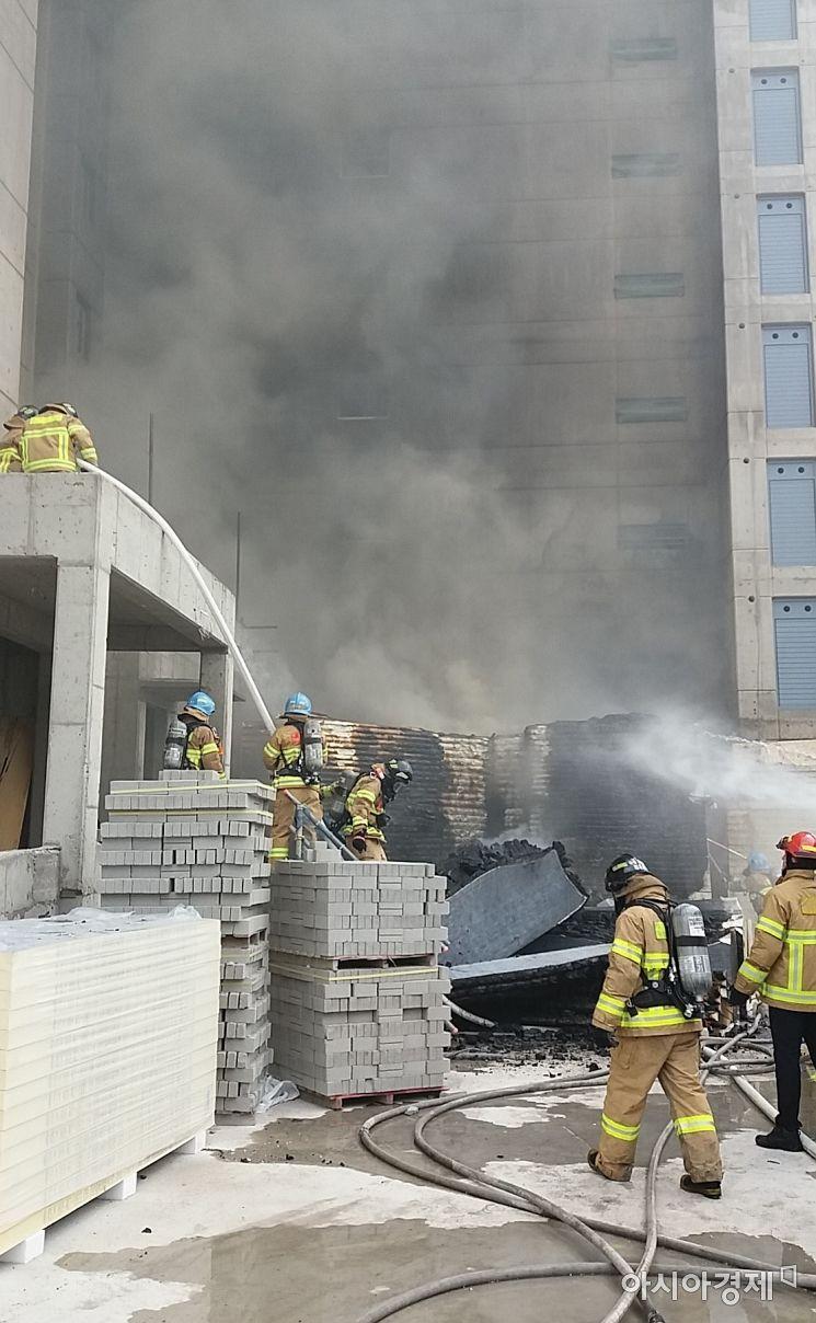대구 신천동 동원개발 신축 아파트 공사장에 불 … 1명 부상