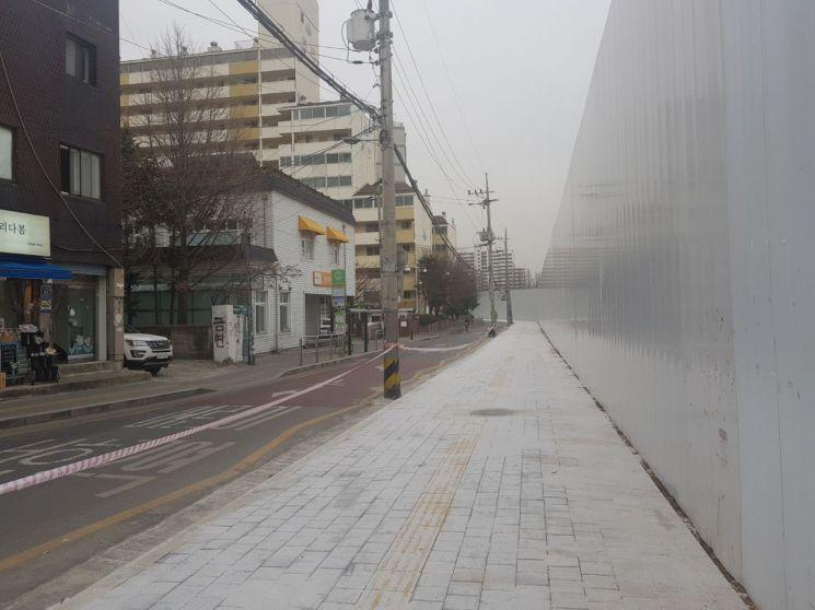금천구청역 앞 대한전선 부지 총 383m 보도(폭 4m)개통