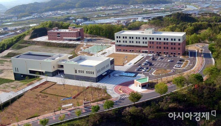 영천시에 위치한 한국폴리텍대학 로봇캠퍼스 전경.