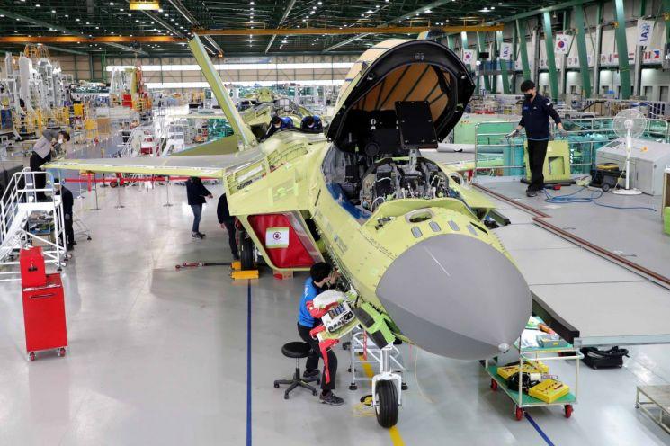 모습 드러낸 KF-X 전투기