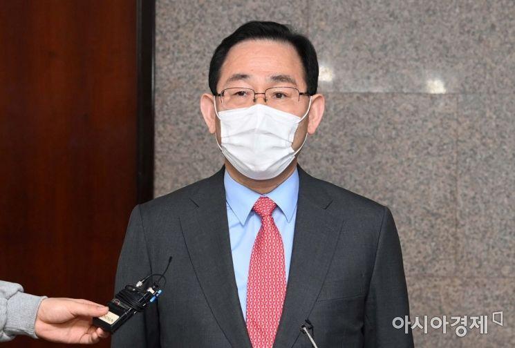[포토] 윤석열 총장 사퇴관련 언급하는 주호영