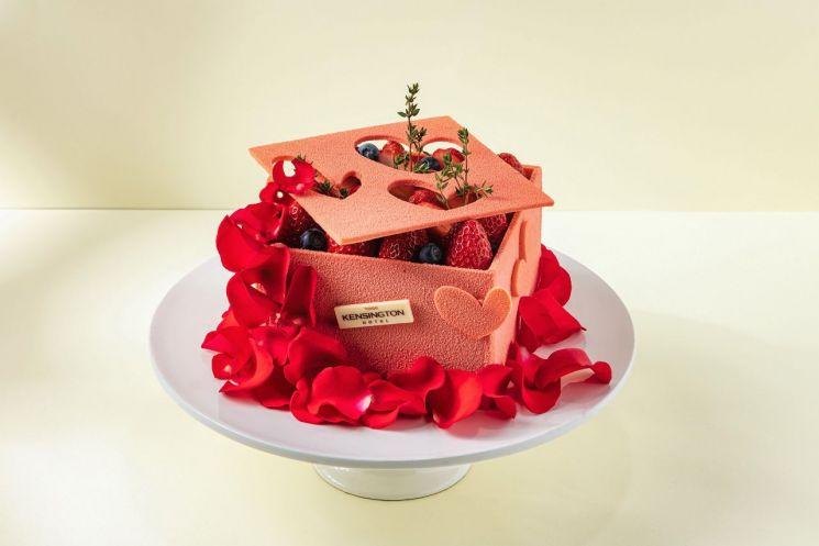 켄싱턴호텔 여의도 '로즈 화이트데이' 케이크.