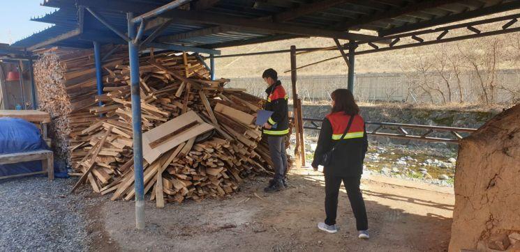 경남 김해시가 산림청과 합동으로 소나무류 이동을 특별 단속한다.(사진=김해시)