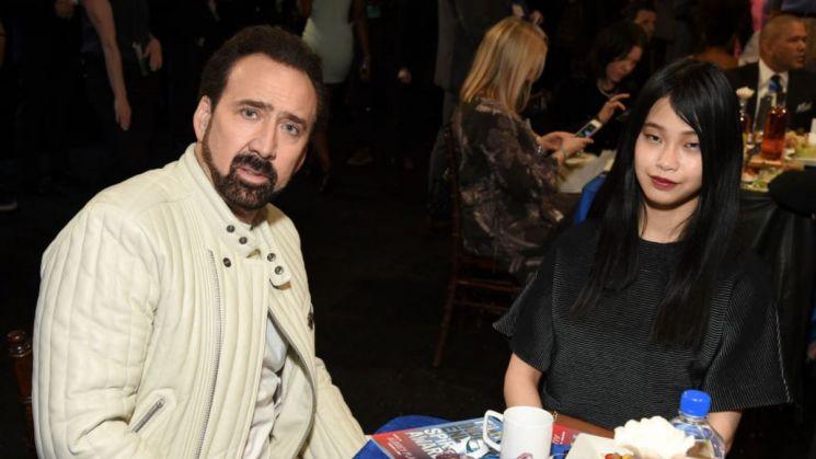 배우 니콜라스 케이지(왼쪽)과 그의 아내 시바타 리코(오른쪽) /사진 = 'KIRO Seattle' 기사 캡처