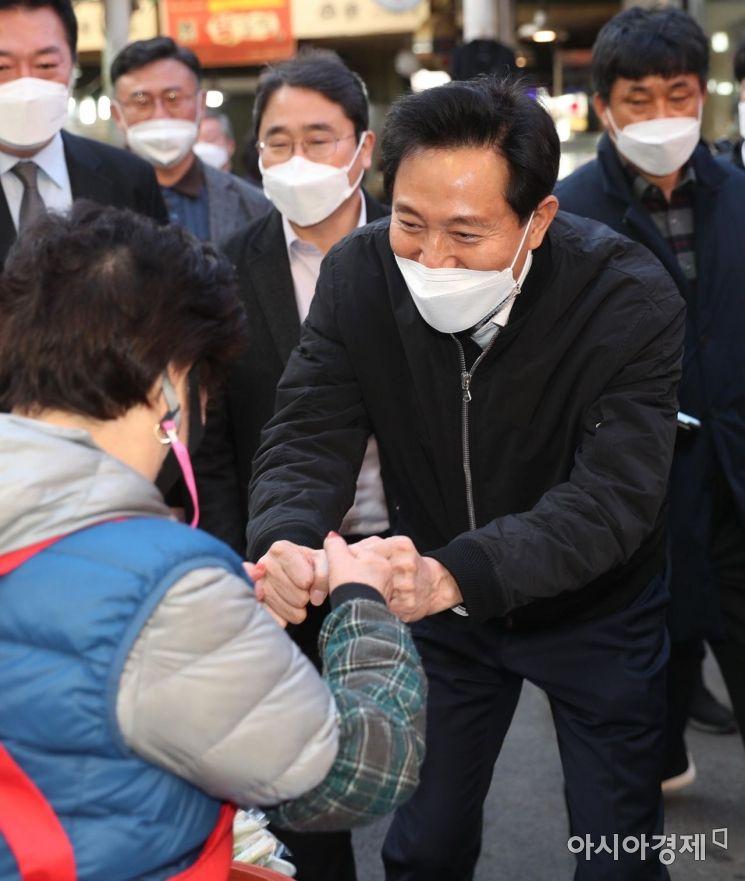 [포토] 화곡본동 시장 방문한 오세훈