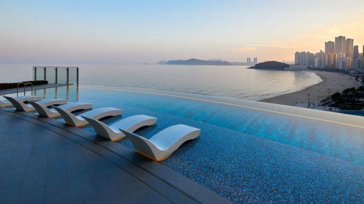 시그니엘 부산, 야외 수영장.