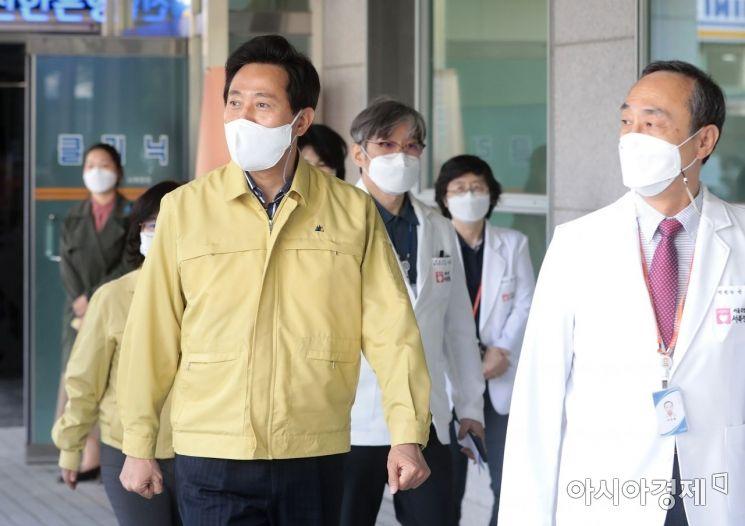 [포토] 오세훈 서울시장, 의료진 격려 방문