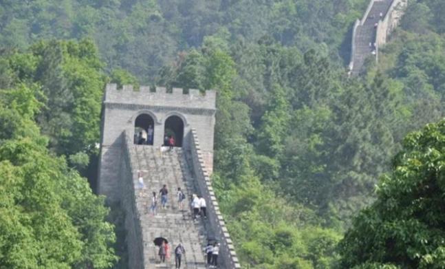 중국 장시성에 있는 '짝퉁' 만리장성 사진= 웨이보 캡처