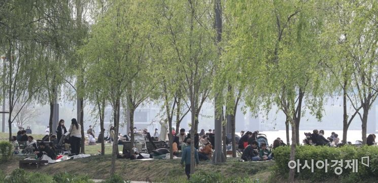 [포토]한강공원 찾은 시민들