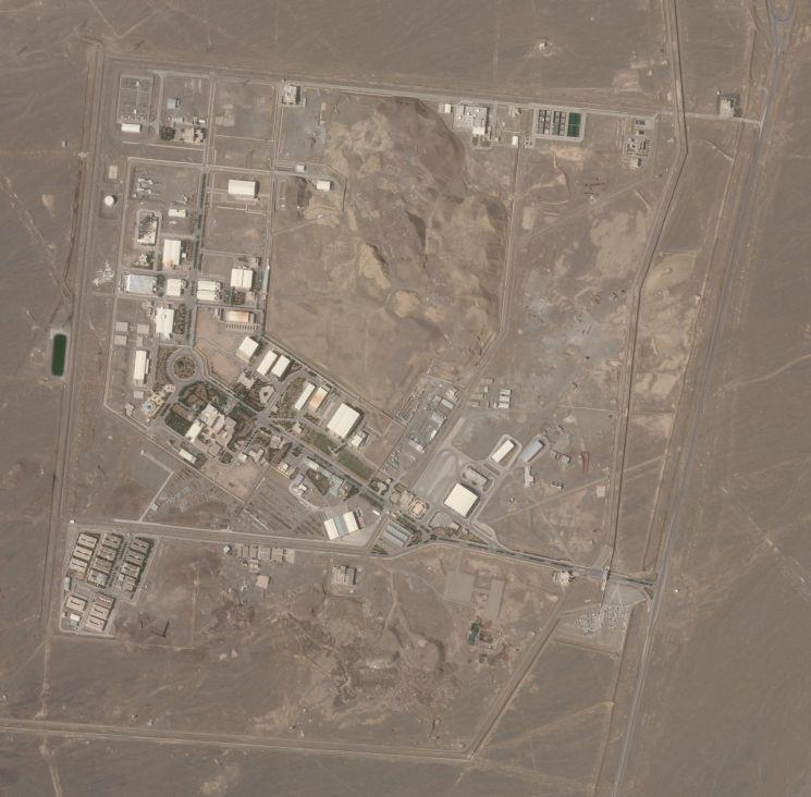 이란 중부 나탄즈에 있는 핵시설 위성사진. [이미지출처=연합뉴스]