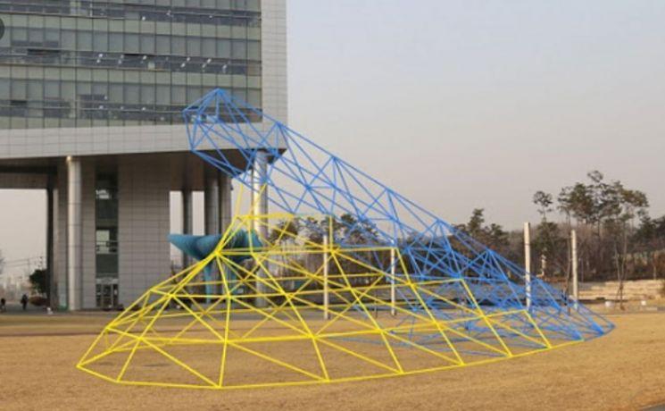 성남시, 청사 앞 '세월호 조형물' 6년만에 철거한다