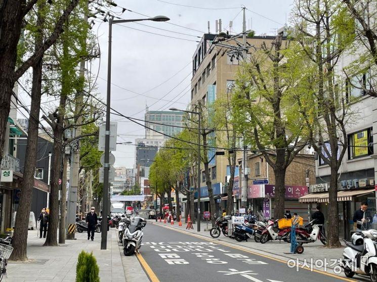 12일 오전 종로3가역 6번 출구 근처의 모습. 이날 만난 시민 대부분은 오세훈 서울시장이 당선될 수밖에 없었다는 반응을 보였다. 사진=김초영 기자 choyoung@asiae.co.kr