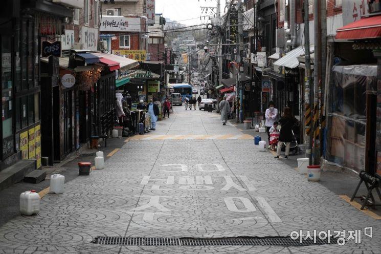 [포토]썰렁한 분위기의 이태원 거리
