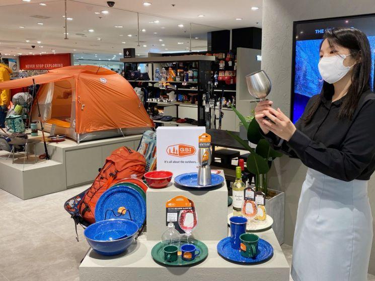롯데백화점, 캠핑용품 매출 상승…다양한 할인 행사