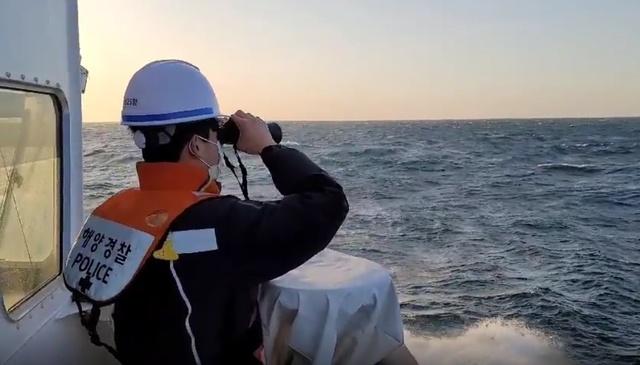 제주 해상 어선서 베트남 선원 1명 실종…이틀째 수색 중