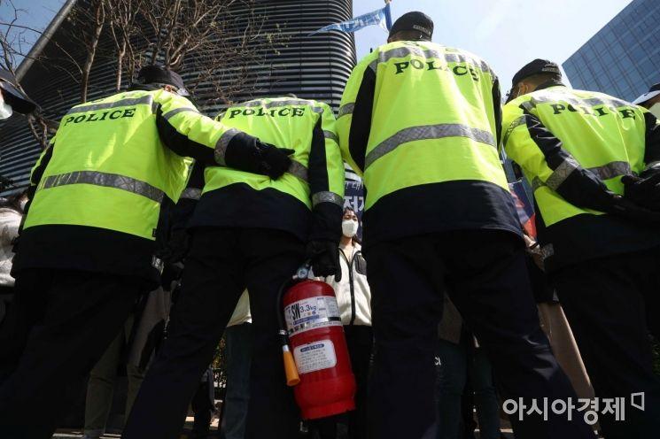 [포토]일본대사관 앞 경비 강화
