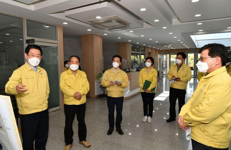 김영록 지사, 담양군 방문 코로나 대응 관계자 격려