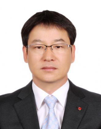 LG디스플레이가 설립한 자회사형 장애인표준사업장 '나눔누리'의 이상백 대표