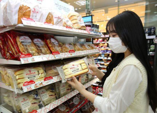 '브레이브걸스' 효과? … 출시 100일만에 510만개 팔린 편의점 빵