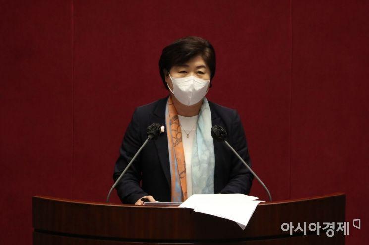 서영교 더불어민주당 의원이 20일 국회 본회의에서 열린 경제분야 대정부질문에서 발언하고 있다./윤동주 기자 doso7@