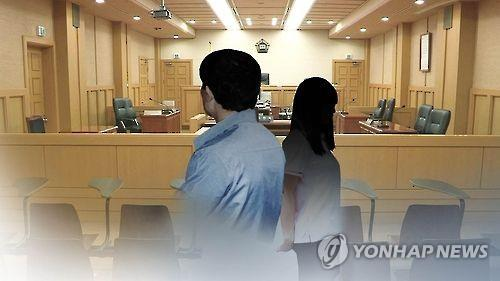 """친족 성폭력의 그늘…피해자의 증언 """"가해인지 조차 인식못한 10대"""""""