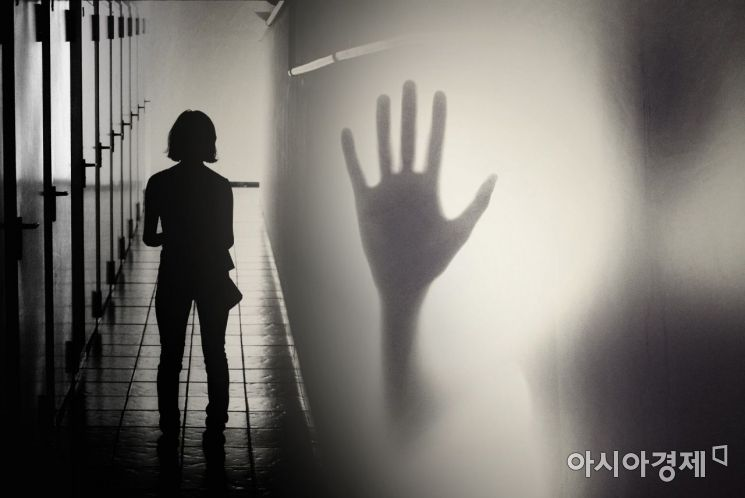 """""""앙기모띠…코끼리 쿵쾅"""" 女 기숙사 침입 난동…주거침입 범죄 '불안한 여성들'"""