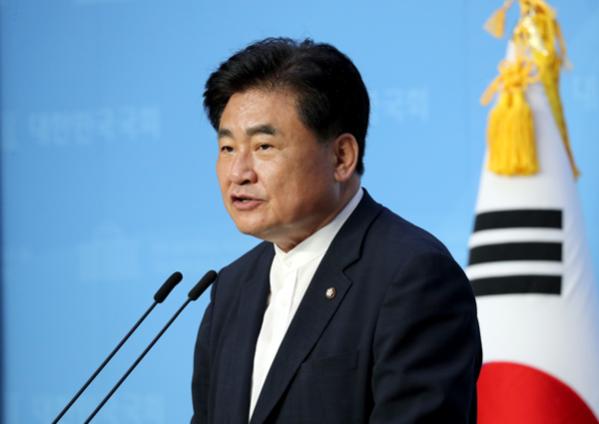 """소병훈 더불어민주당 의원이 22일 """"부동산 문제는 이제야 자리를 잡아간다""""고 목소리를 높였다. [이미지출처=연합뉴스]"""