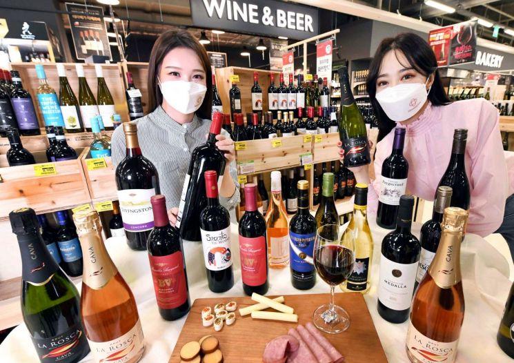 대형마트, 역대 최대규모 와인 할인행사에 공들이는 이유는?
