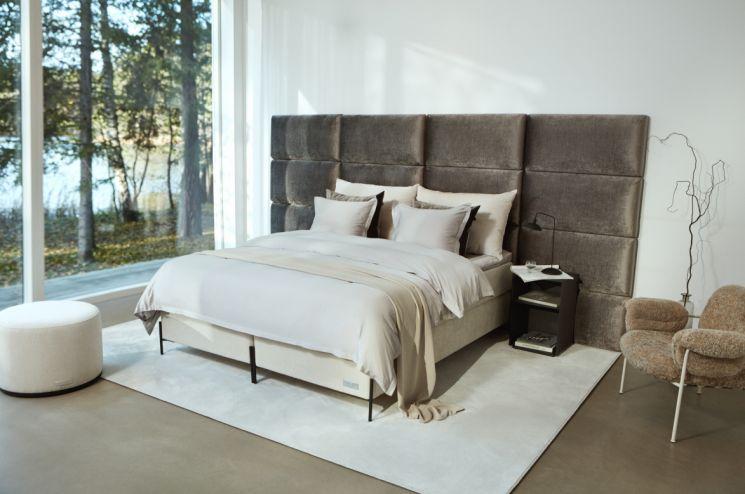 까사미아가 아시아 최초로 수입 판매하는 스웨덴 '카르페디엠베드' 제품.