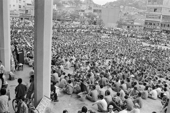 1980년 5월 24일(토) 목포역 광장