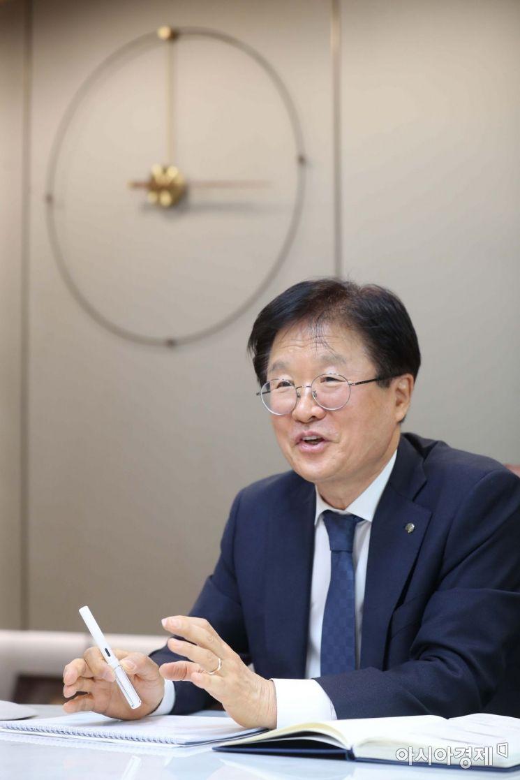 조욱제 유한양행 대표이사 사장이 6일 아시아경제와 인터뷰하고 있다. /문호남 기자 munonam@