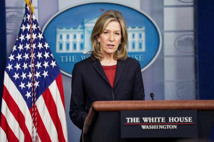 엘리자베스 랜들 백악관 국토안보보좌관이 송유관 해킹 사건에 대해 브리핑하고 있다. [이미지출처=로이터연합뉴스]