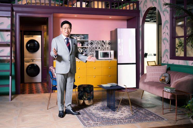 11일 온라인으로 진행된 '삼성 비스포크 홈 2021' 행사에서 삼성전자 생활가전사업부장 이재승 사장이 오프닝 스피치를 하고 있다.(사진제공=삼성전자)