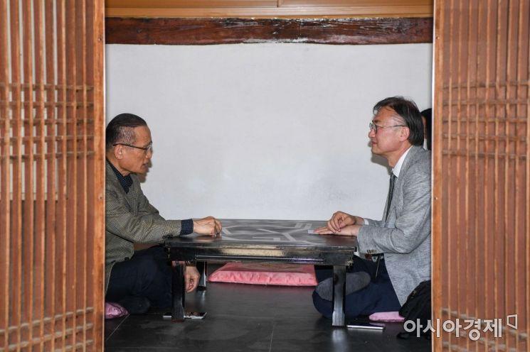 위성락 전 주러시아대한민국대사관 대사가 13일 서울 성동구 한 카페에서 인터뷰 하고 있다./강진형 기자aymsdream@