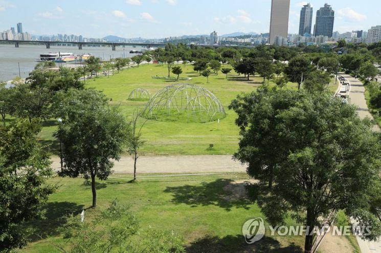 지난해 한강공원 광장 모습. / 사진=연합뉴스