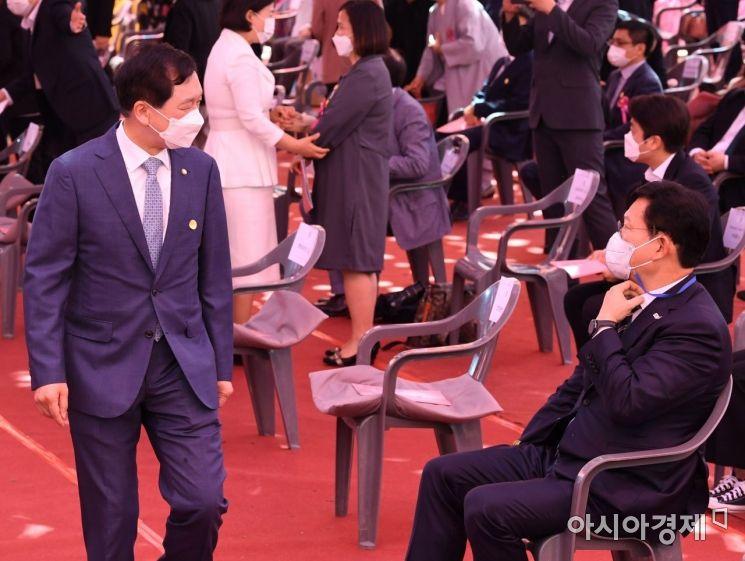 [포토] 조계사 봉축 법요식 참석하는 김기현 대표 권한대행