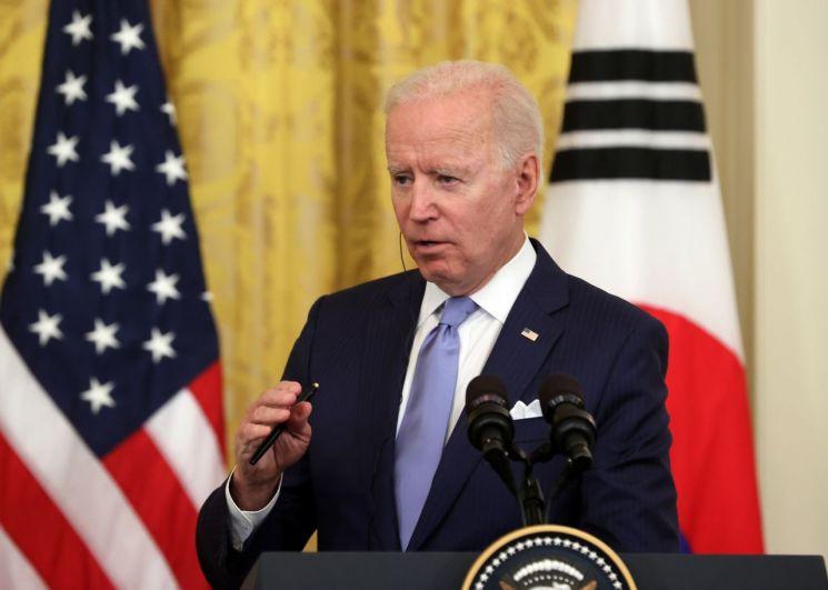 조 바이든 미국 대통령이 지난 21일 오후(현지시간) 한ㆍ미 정상회담을 마치고 백악관 이스트룸에서 열린 공동기자회견에서 발언하고 있다. [이미지출처=연합뉴스]