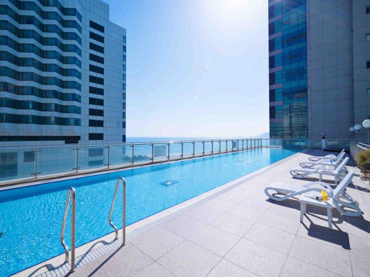 코오롱 씨클라우드 호텔, 야외 수영장.