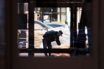 서울의 한 아파트 입주민이 경비원들에게 수년간 허드렛일을 시키고, 상습적으로 폭언을 한 혐의로 재판에 넘겨졌다. 사진은 기사 내 특정 표현과 무관. [이미지출처=연합뉴스]