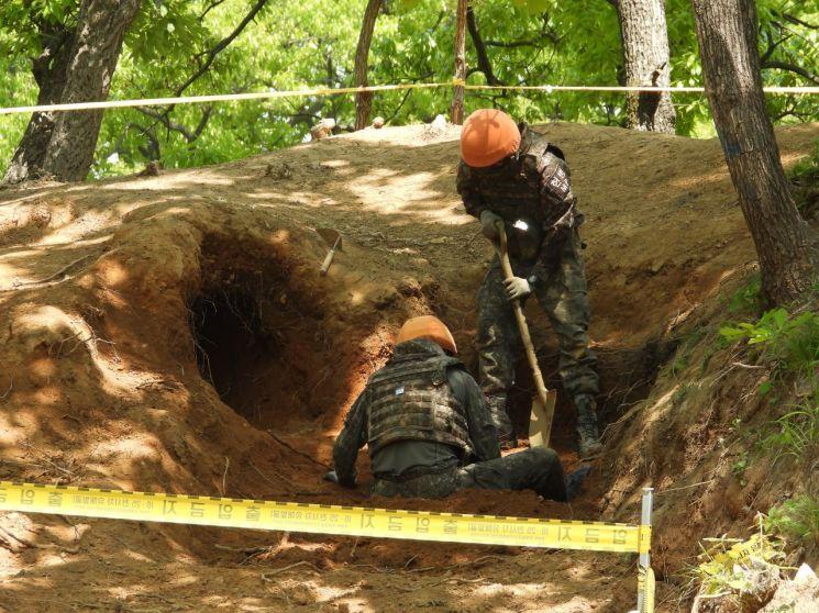 6·25전쟁 당시 사용됐던 손전등, 방탄복, 각종 탄약, 전투장구류 등 9663점의 전사자 유품이 발굴됐다.