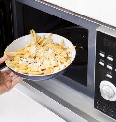 5. ④를 전자레인지에 넣어 1분~1분 30초 정도 치즈가 녹도록 익힌다.