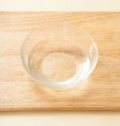 1. 젤라틴을 찬물에 2분정도 담가 불린다.