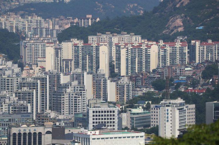 서울 남산에서 바라본 아파트 단지의 모습