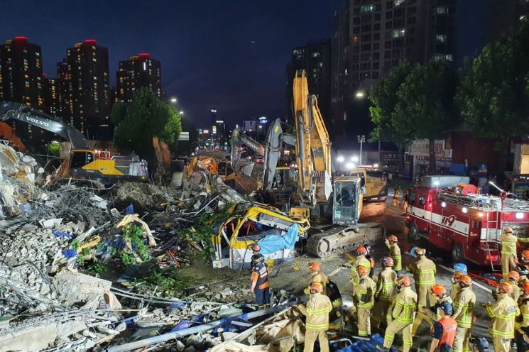 광주 학동 건물 붕괴현장 모습. [이미지출처=연합뉴스]