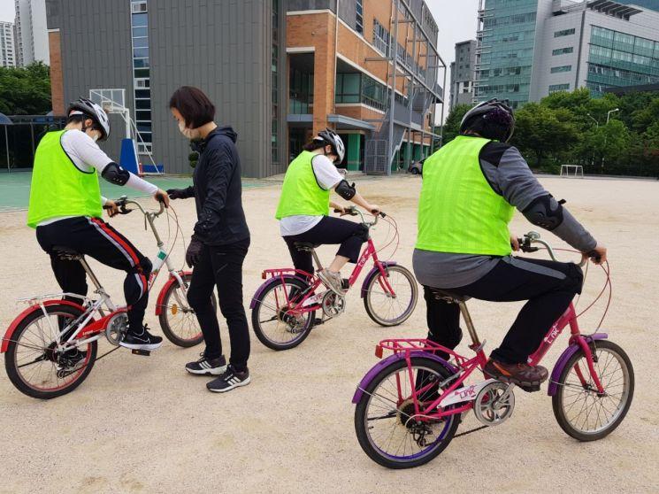 한 해 자전거 사고 5000건...송파구 '찾아가는 자전거 안전교육'