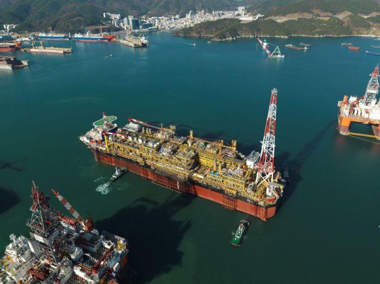 대우조선해양이 건조한 부유식 원유 생산·저장·하역설비(FPSO)