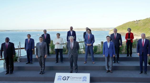 G7 정상회의 단체 사진 원본. /사진=대한민국 정책브리핑 홈페이지 캡처