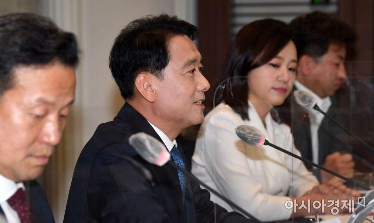 대선출마를 선언한 이광재 더불어민주당 의원이 15일 서울 중구 프레스센터에서 열린 한국기자협회 초청 토론회에 참석, 발언을 하고 있다./국회사진기자단