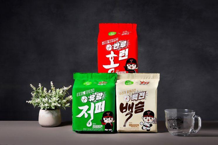 LG트윈스·풀무원 협업 '한정판 정·백·홍 비빔면 세트'(사진제공=11번가).
